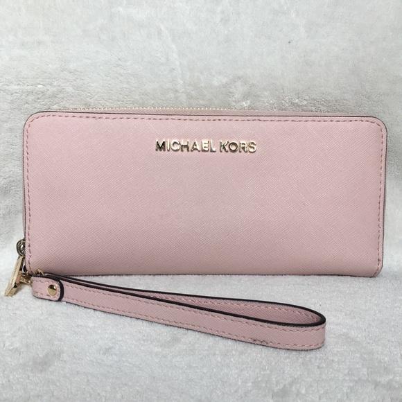 3d5bf7bc7ff Michael Michael kors pale pink large jetset wallet.  M_5a7a37153316277c9ef057cf